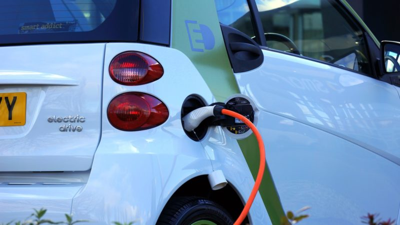 5 Reasons to get an Electric or Hybrid Car