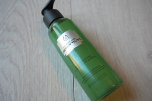 Review: The Body Shop Drops of Youth Liquid Peel